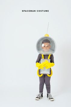 These gorgeous DIY Halloween costumes were originally featured on Style Me Pretty and will definitely provide some Halloween inspiration! Halloween is JUST Space Costumes, Family Costumes, Children Costumes, Homemade Halloween, Halloween Costumes For Kids, Halloween Halloween, Vintage Halloween, Halloween Makeup, Creative Costumes