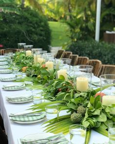 This table setting is magnificent!