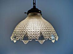 Online veilinghuis Catawiki: Persglazen hanglamp met uitstraling als van kristal - ca. 1920