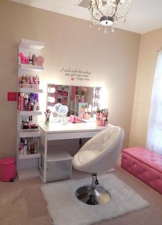 Trendy Teenager Room Organization Diy Bedroom Interior Design Ideas in 2020 Blue Girls Rooms, Bedroom Decor For Teen Girls, Cute Bedroom Ideas, Cute Room Decor, Girl Bedroom Designs, Teen Room Decor, Room Ideas Bedroom, Teen Girl Bedrooms, Diy Bedroom