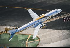 Private Embraer Lineage 1000 photo by Javi Sanchez Embraer Lineage 1000, Aeroplane Flight, Aircraft Images, Luxury Jets, Jumbo Jet, Photo Online, Aviation, Spacecraft, Airplanes