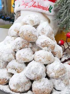 Christmas Cooking, Christmas Time, Christmas Recipes, Kourabiedes Recipe, Christmas Napkins, Sweets Recipes, Greek Recipes, Holiday Cookies, Good Mood