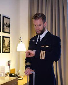 Pilot Uniform, Men In Uniform, Portrait Photography Men, Beautiful Men Faces, Hot Hunks, Mens Fashion Suits, Hairy Men, Sexy Men, Hot Men