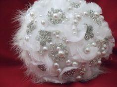 Buque de noiva com broches