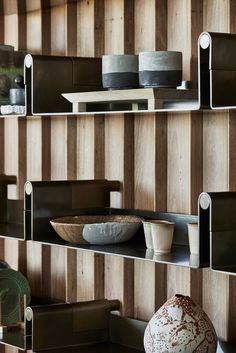 Boneo House by John Wardle Architects 05 Shelving Design, Shelf Design, Cabinet Design, White Furniture, Furniture Design, Cheap Furniture, Bookcase Shelves, Stores, Interior Architecture