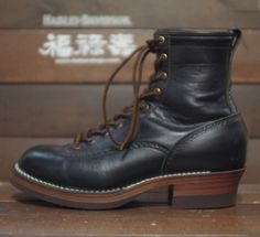 Men's Boots, Cool Boots, Combat Boots, Mens Attire, Men's Footwear, Brown Shoe, Ageing, Man Style, Workwear