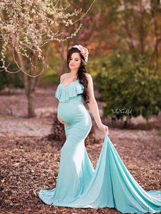 Comfortable Knit Maternity Gowns for Your Photo Shoot! Maternity Shoot Dresses, Maternity Photo Outfits, Maternity Bridesmaid Dresses, Maternity Poses, Maternity Portraits, Maternity Pictures, Pregnancy Photos, Maternity Fashion, Vestidos Para Baby Shower