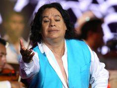 El ''Divo de Juárez'' ofreció un concierto privado a amigos y personalidades de la política y el espectáculo