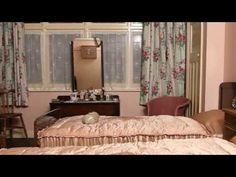 IWM Senior Historian Terry Charman tours IWM London's House (closed January and speaks about life in wartime Britain for the typical family. Bedroom Wall, Diy Bedroom Decor, Bedroom Furniture, Master Bedroom, Wall Decor, Vintage Bathrooms, Bedroom Vintage, 1940s Home, 1930s