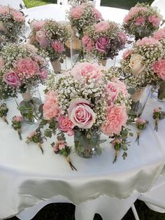 Country wedding bouquets and boutonnieres. BW Events Informations About Country wedding bouquets and Wedding Flower Guide, Diy Wedding Flowers, Bridal Flowers, Floral Wedding, Country Wedding Bouquets, Blush Wedding Centerpieces, Country Weddings, Diy Flower Centerpieces, Rustic Flower Arrangements