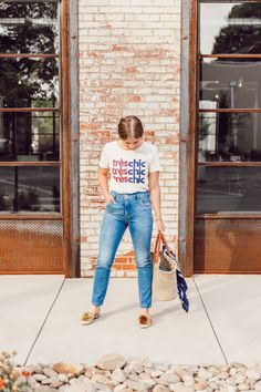 How to Style Your Favorite Graphic Tee this Summer featured on Louella Reese | Graphic Tee Summer Style, Très Chic Tee