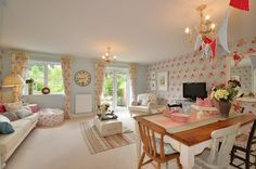 Who lives in a house like this.... Cath Kidston?
