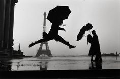 Paris, (Photo by Elliott Erwitt/Magnum Photos) Henri Cartier Bresson, Vintage Paris, Magnum Photos, Robert Doisneau, Street Photography, Art Photography, Silhouette Photography, France Photography, Photography Awards