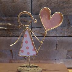 Papierdraht Mädchen - New Ideas Wire Crafts, Diy Home Crafts, Crafts To Sell, Crafts For Kids, Papier Kind, Wire Art Sculpture, Angel Crafts, Flower Tattoo Designs, Wire Weaving