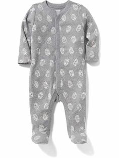 Shop the Oh Baby! collection for the latest styles in clothes for baby girls. Old Navy is your one-stop shop for stylish and comfortable baby clothes at affordable prices. Unisex Baby Clothes, Baby Outfits Newborn, Maternity Wear, Old Navy, Cute Outfits, Men Casual, Man Shop, Mens Tops, How To Wear
