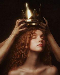 "beautifulbizarremagazine: ""Take The Throne"", fantastic photography from Alex Stoddard Kreative Portraits, 3 4 Face, Classical Art, Renaissance Art, Aesthetic Art, Oeuvre D'art, Art Inspo, Character Inspiration, Brand Inspiration"