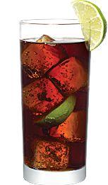 Le Cuba Libre, un classique désaltérant! 45 ml (1 1/2 oz) de rhum blanc Bacardi // 180 ml (6 oz) de cola // Glaçons // 2 quartiers de lime Cocktail, Bacardi, Cuba, Vegetables, Food, Classic, Recipes, Veggie Food, Vegetable Recipes