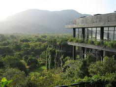 Sri Lanka,Geoffrey Bawa Architects, Kandalama  Hotel, Sigiriyaby