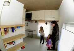 Tako kot je pa ta 'hiša na glavo' kreativna… Poglejte kopalnico!