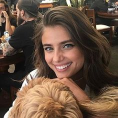 Taylor Hill marie