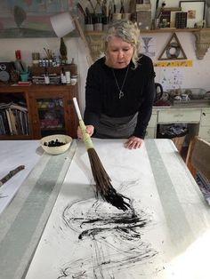 Lorna Crane : mark making Calligraphy Art, Calligraphy Background, Painting Tools, Painting Art, Art Graphique, Mark Making, Art Plastique, Art Studios, Painting Techniques