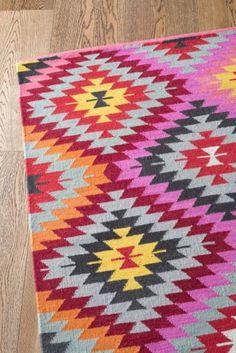 A&Co Kilim Weave Caravan - Peony Multi Colour
