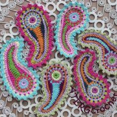 Crochet paisley pattern - Indulgy