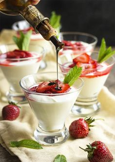 Ricotta and mascarpone are whipped together in a light and flavorful mousse which is topped by balsamic strawberries in this yummy Italian style dessert. Dessert Crepes, Mousse Dessert, Funnel Cakes, Pavlova, Cheesecakes, Biscotti, Canapes Faciles, Brownies, Dessert