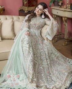 Beautiful Pakistani Dresses, Pakistani Formal Dresses, Pakistani Dress Design, Indian Dresses, Pakistani Clothing, Beautiful Dresses, Pakistani Fashion Party Wear, Pakistani Wedding Outfits, Bridal Outfits