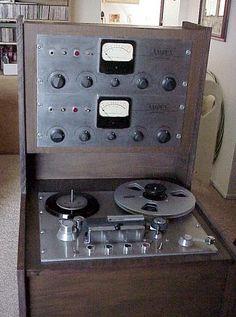 Ampex 350 - www.remix-numerisation.fr - Rendez vos souvenirs durables ! - Sauvegarde - Transfert - Copie - Digitalisation - Restauration de bande magnétique Audio - MiniDisc - Cassette Audio et Cassette VHS - VHSC - SVHSC - Video8 - Hi8 - Digital8 - MiniDv - Laserdisc - Bobine fil d'acier - Digitalisation audio