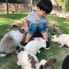 Cute Asian Babies, Korean Babies, Asian Kids, Cute Kids Pics, Baby Girl Pictures, Cute Baby Pictures, Cute Little Baby, Little Babies, Baby Kids