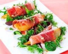 Roulés poire  prosciutto : http://www.cuisineaz.com/recettes/roules-a-la-poire-et-au-prosciutto-77289.aspx