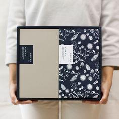 현미 연강정 선물세트 M 유자/비트/녹차 Jar Packaging, Brand Packaging, Web Design, Layout Design, Clothing Packaging, Food Branding, Tea Brands, Marca Personal, Japanese Graphic Design