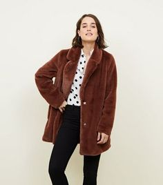 Discover the latest trends at New Look. New Look Uk, Pretty Mercerie, Nouveau Look, Inspiration Mode, Winter Wear, Long A Line, Coats For Women, Parka, Faux Fur