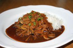 biffmedbambuskott1 Asian Recipes, Ethnic Recipes, Wok, Japchae, Food And Drink, Pasta, Beef, Meals, Cooking