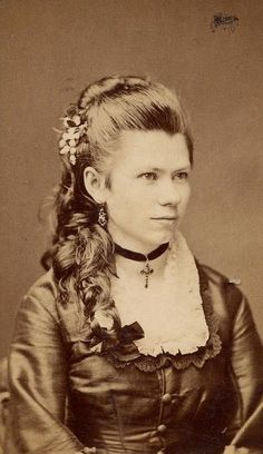 Victorian Hairstyles 1830-1890 1830 was around the time that Victoria took to the throne as the Queen of England at just the young age ...
