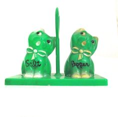 Vintage Green Plastic Cat Shaped Salt and Pepper Shakers with Stand