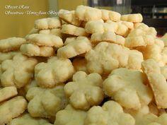Secuit Rasa: BANGKIT KELAPA @ BISKUT KELAPA Coconut Cookies, Chinese New Year, Cookie Recipes, Cauliflower, Yummy Food, Sweets, Snacks, Vegetables, Desserts