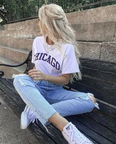 Casual Friyay 👐🏼 T-shirt : Cute Comfy Outfits, Casual Winter Outfits, Cute Summer Outfits, Classy Outfits, Mode Outfits, Retro Outfits, Fashion Outfits, Beautiful Summer Dresses, Foto Casual