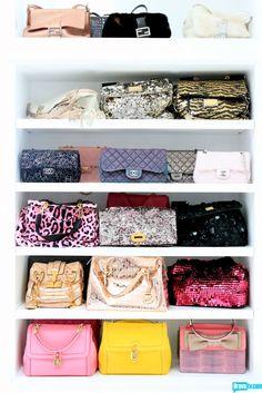 prateleira de bolsas no closet | Decorismo ♡