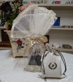 Casamento de Marina - Kit Aromatizador Ambiente com Flores Difusoras Madrinhas Individuais(0001P LAM) e Embalagens em Linho para Padrinhos Individuais(0001GAV) - Tudo em Caixas
