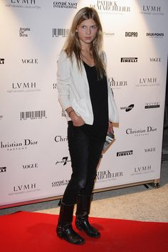 Clemence Poesy Flat Boots - The actress sported skinny jeans with motorcycle-style boots. Leh, Clemence Poesy, Sequin Blazer, French Actress, Biker Boots, French Chic, Daily Look, Gossip Girl, Get Dressed
