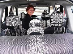 Interiøret i Birgitta Odéns Toyota Yaris er dominert av hjemmestrikking fra Selbu. Knit Art, Odense, Knitting Ideas, How To Fall Asleep, Toyota, Tote Bag, Cool Stuff, Tricot, Dots