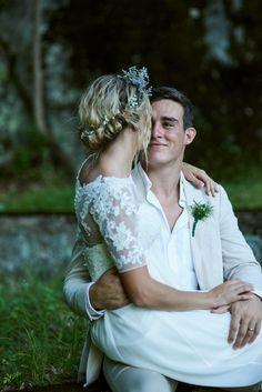 #wedding #weddingpictures #NewYorkWedding  wedding poses  Bride and groom  Flower Crown