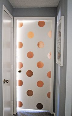 Joy Cho: 10 Favorite Things on Pinterest. Gold Spots!