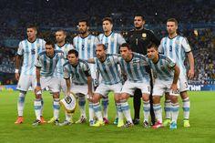 Estos jugadores son del equipo nacional de fútbol.