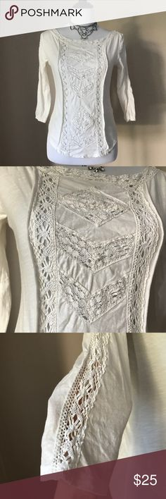 Free People Crochet 3/4 Sleeve Top 💕 Free People Size Medium Cream Color Beautiful Crochet Design 3/4 Length Sleeve Top. 100% Cotton. Gorgeous Top! Gently worn. Great condition! Perfect for Fall! 🍁🍂🍁🍂🍁 Free People Tops Tees - Long Sleeve