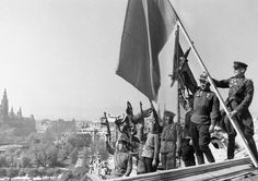 Vienna Austria Soldiers of the Red Army raise the Red Banner after liberating… Soviet Army, Z Photo, Austro Hungarian, Red Army, Vienna Austria, War Machine, World War, Wwii, Germany