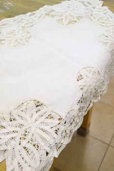 """Set of 6 French White Cotton Battenburg Placemats - So very pretty! Beautiful Condition - 14.5"""" x 19.5"""""""
