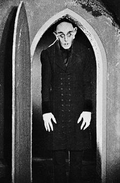 Max Schreck, Nosferatu, eine Symphonie des Grauens, F. Retro Horror, Horror Icons, Sci Fi Horror, Arte Horror, Vintage Horror, Horror Art, Classic Monster Movies, Classic Horror Movies, Classic Monsters